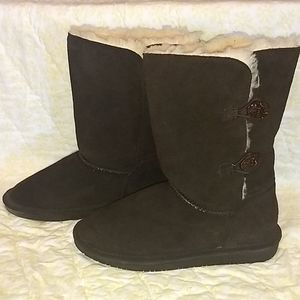 NWOT Chocolate Brown Suede Beartrap Boots